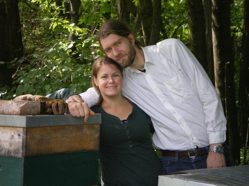 Phil+Iris bei den Bienen